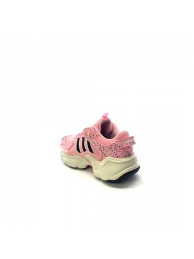 Adidas - EF9000 MAGMUR...